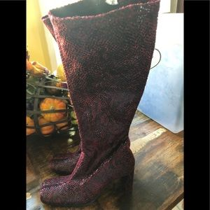 Chinese Laundry boots size 6